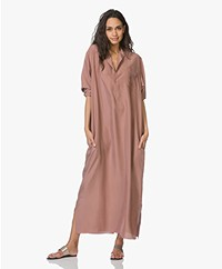 extreme cashmere N°68 Lord Maxi Shirt Dress in Habotai Silk - Clay
