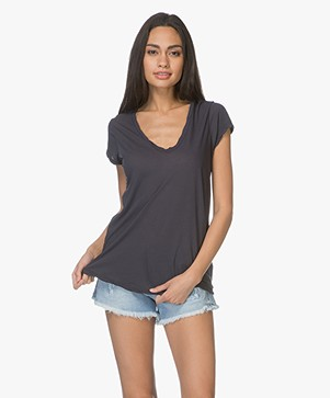 James Perse V-neck T-shirt in Extrafine Jersey - Mine