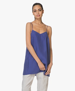 extreme cashmere N°69 Star Habotai Zijde Camisole - Electric Blue