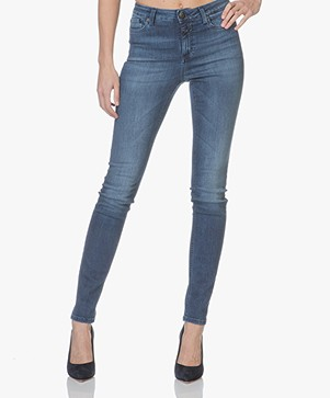 Closed Lizzy Hyper Stretch Skinny Jeans - Mid Sky Wash