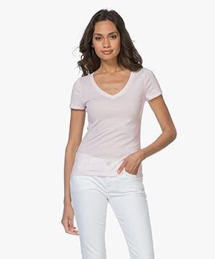 Petit Bateau V-hals T-shirt in Lichte Katoen - Fleur