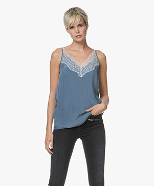 Drykorn Letitia Cupro Camisole met Kant - Jeansblauw