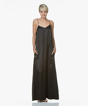 extreme cashmere N°74 Pina X Long Zijden Maxi-jurk - Zwart