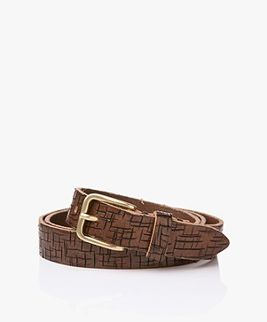 Closed Leather Crackle Belt - Dark Brown