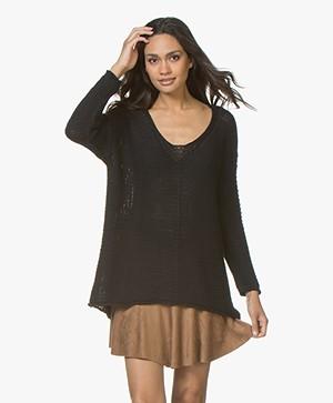 BRAEZ Felia V-neck Pullover in Cotton - Black