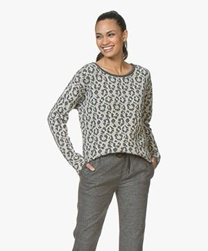 Sibin/Linnebjerg Agate Sweater with Leopard Pattern - Light Anthracite