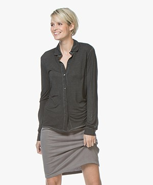 Majestic Filatures Garment Dyed Zijde Jersey Blouse - Zwart