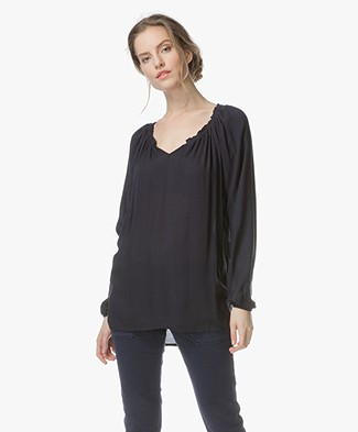BRAEZ Bebe Soepel Vallende Blouse - Midnight Blue