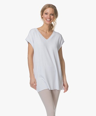 BRAEZ Swan Oversized V-neck T-shirt - White