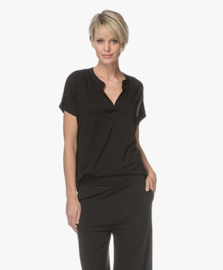 LaSalle Tencel T-shirt with V-slit - Black