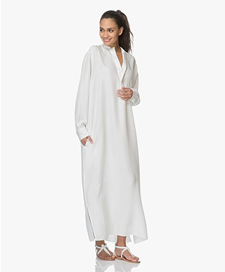 extreme cashmere N°68 Lord Maxi Blousejurk in Habotai Zijde - Off-white