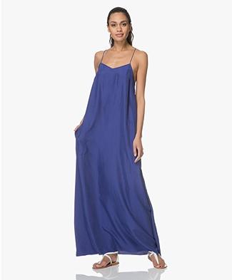 extreme cashmere N°70 Pina X Habotai Maxi-jurk - Electric Blue