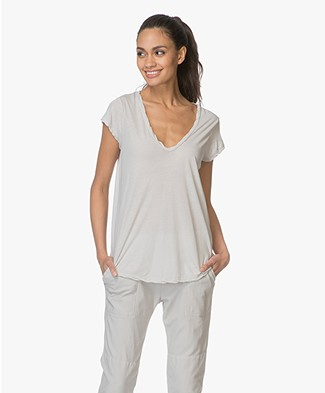 James Perse V-neck T-shirt in Extrafine Jersey - Silver Grey
