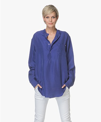 extreme cashmere N°67 Feel Habotai Silk Blouse - Electric Blue