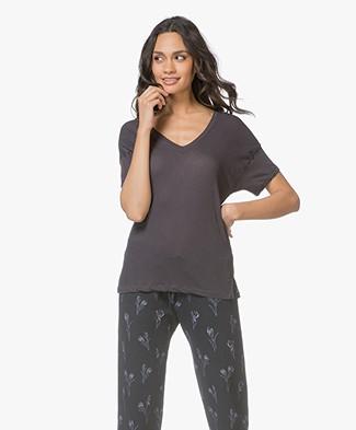 Friday's Project T-Shirt met Dubbele V-hals - Gewassen zwart