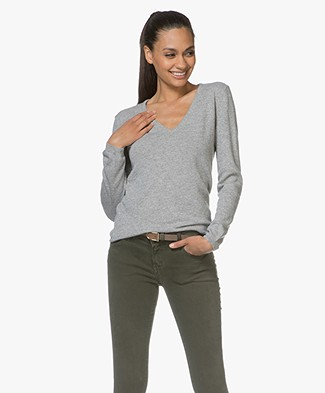 Resort Finest Via V-neck Pullover - Grey