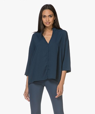 By Malene Birger Acosa Blouse met Splithals - Skyline