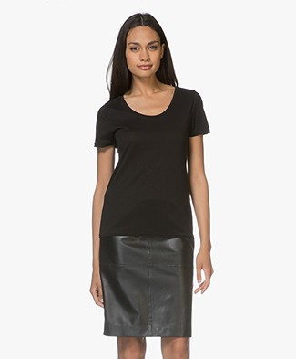 Filippa K Scoop Neck Tee - Zwart