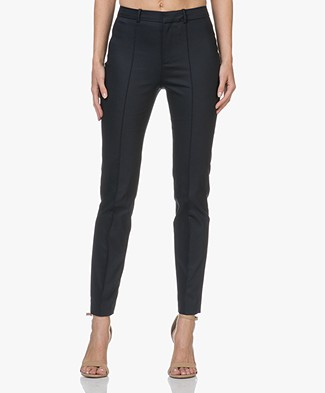 Drykorn Act Pants in Fine Cotton-stretch - Dark Navy