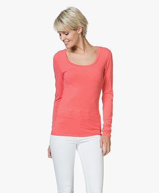 Drykorn T-shirt Selima with Round Neck - Coral Red