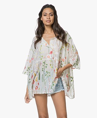 SLUIZ. Ibiza Flower Broderie Blouse - Off-white
