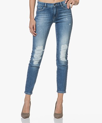 BOSS J21 Roseville Distressed Slim-fit Jeans - Middenblauw