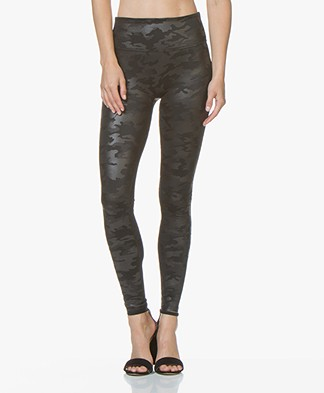 SPANX® Faux Leather Camo Leggings - Mat Zwart