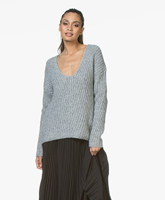 Drykorn Linna Chunky Knit V-neck Sweater - Light Grey