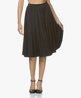 Filippa K Pleated Midi Rok - Zwart