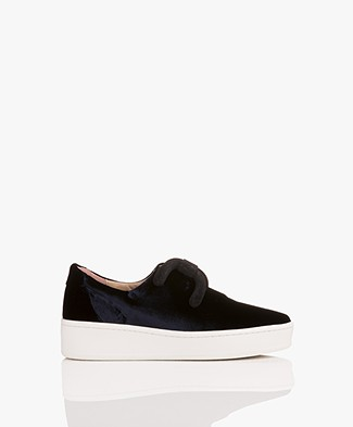 An Hour And A Shower Knot Slip-on Fluwelen Sneakers - Velvet Navy