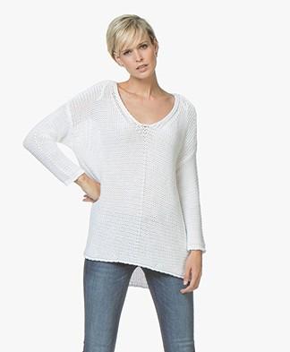 BRAEZ Felia V-neck Pullover in Cotton - White