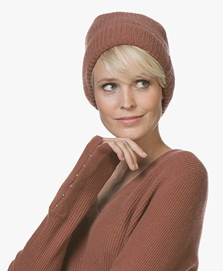 Repeat Cashmere Rib Knitted Beanie - Brick