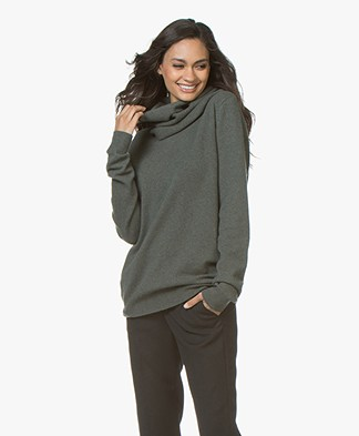 extreme cashmere N°8 Multifunctioneel Cashmere Accessoire - Kaki