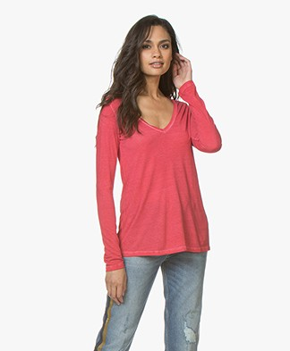 Majestic Garment Dyed Long Sleeve in Pure Silk - Groseille