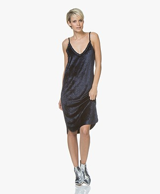 BRAEZ Dust Fluwelen Slip Dress - Navy