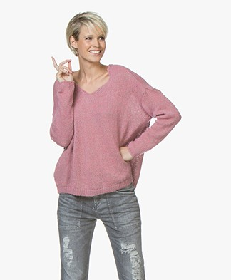 indi & cold Mohair Blend V-neck Sweater - Rosa
