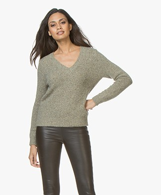 Majestic Filatures V-neck Sweater in Pure Cashmere - New Army Melange