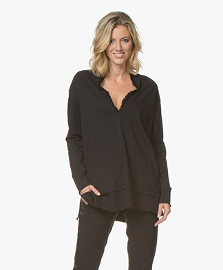 BRAEZ Sibil V-neck Sweater - Black