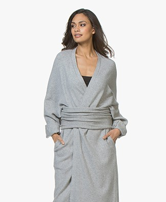 extreme cashmere N°8 Multifunctional Cashmere Accessory - Grey