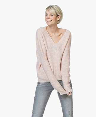 MKT Studio Konica Rib V-neck Sweater - Old Pink