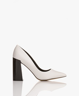 Matt & Nat Stessy Pointed Pumps - White