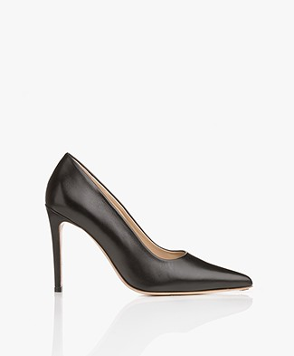 Feraggio Smooth Leather Pumps - Black Shiny