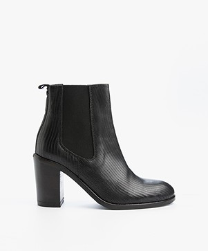 Fred de la Bretonière Leather Heeled Ankle Boots - Black