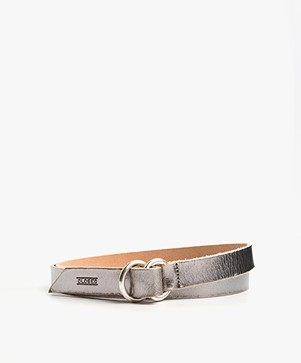 Closed Metallic Leather Belt - Silver Grey