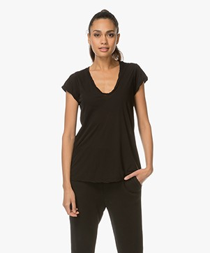 James Perse V-hals T-shirt in Extrafijne Jersey - Zwart