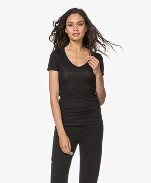Petit Bateau V-hals T-shirt in Lichte Katoen - Zwart