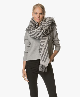 Closed Graphic Design Scarf - Grey Melange