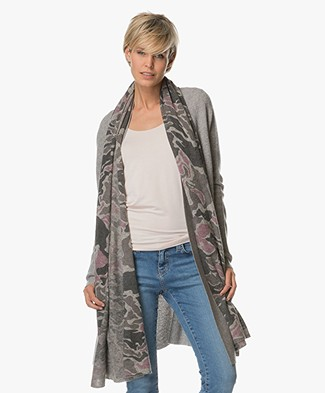Repeat Printed Scarf in Wool and Cashmere - Grey/Pink