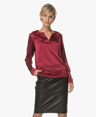 no man's land Silk Top with V-slit - Roaring Pink