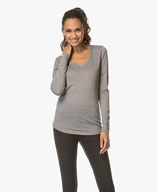 Closed V-neck Long Sleeve in Cashmere Blend - Grey Melange